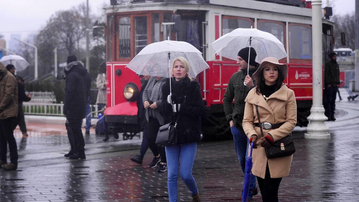 Yağmur İstanbul'u vurdu! İşte yol durumu... | Meteoroloji'den son dakika hava durumu uyarısı!
