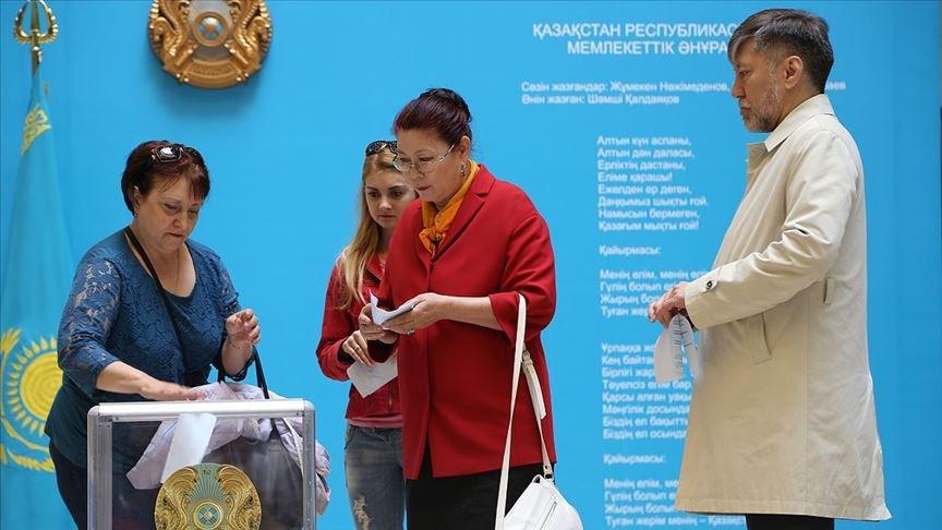 Kazakistan'da erken seçim kararı!