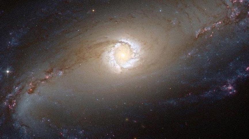 Kara delik nedir? Kara delik nasıl oluşur?