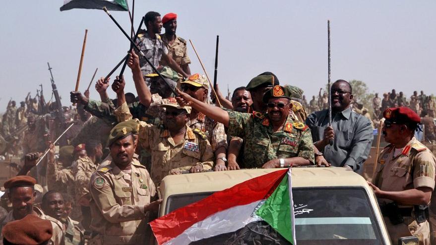 Sudan'da sıcak saatler: Cumhurbaşkanı ev hapsinde iddiası