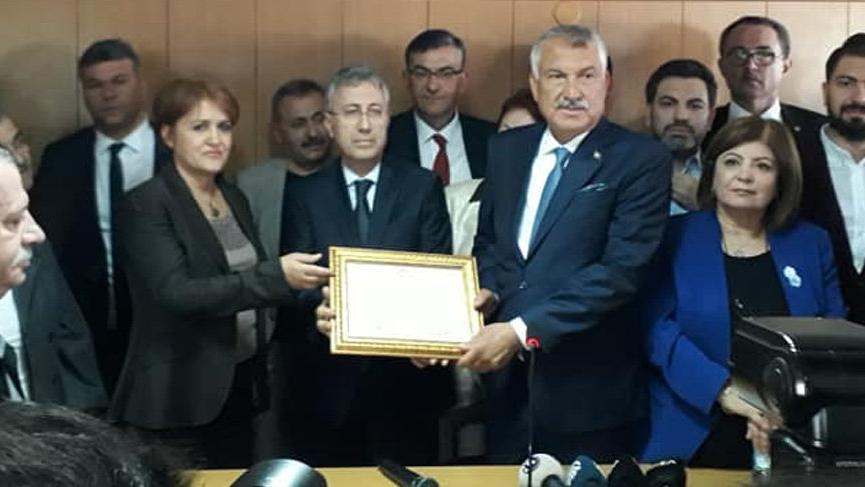 CHP'li Başkan Zeydan Karalar ayağının tozuyla müjdeyi verdi