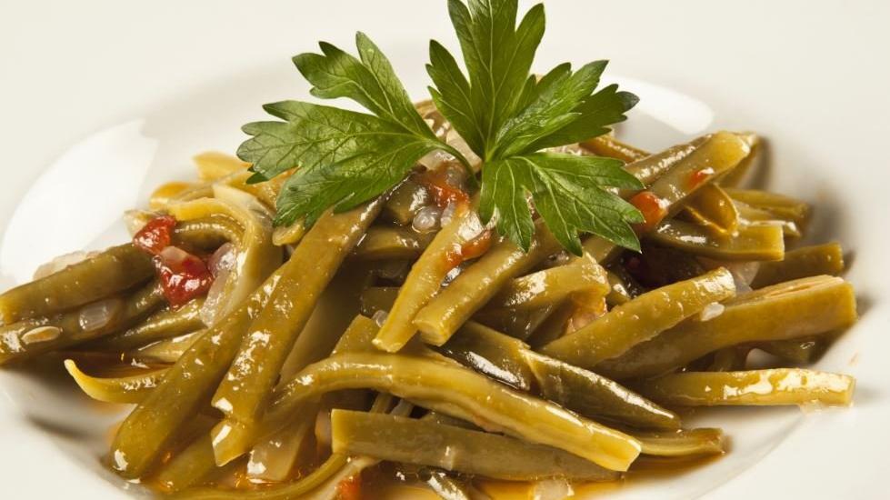 Zeytinyağlı fasulye tarifi: Menüye soğuk bir ara öğün! Zeytinyağlı fasulye nasıl yapılır?