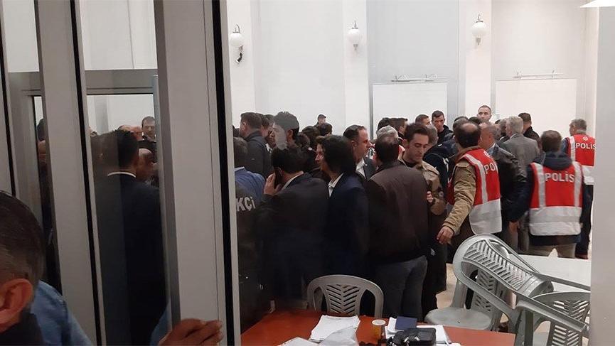 Son Dakika... MHP'li ve AKP'liler sayım alanına topluca girdi! Maltepe'deki sayım yarına ertelendi...