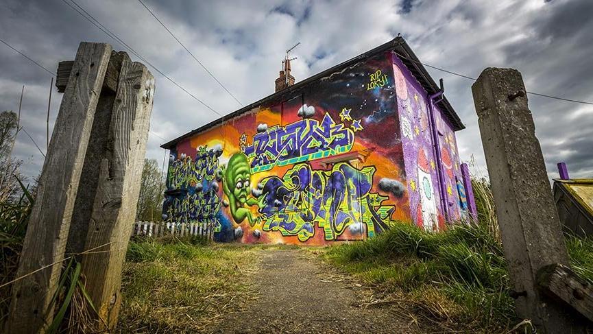 Yıkılacak evler kamusal sanat eseri haline dönüştü