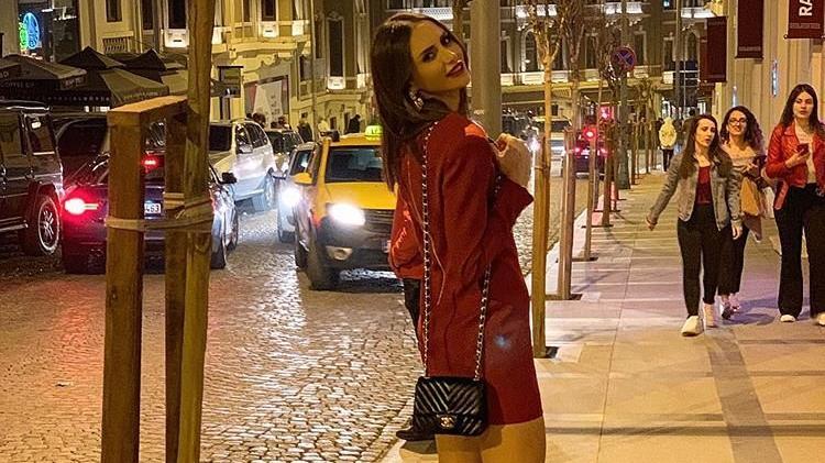 Emina Jahovic imajını değiştirdi