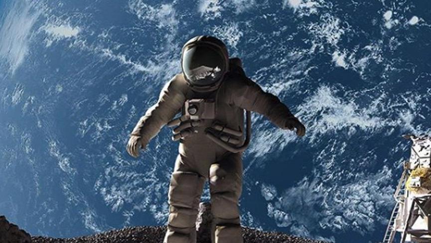 Ay'a ayak basan ilk insan kimdir?