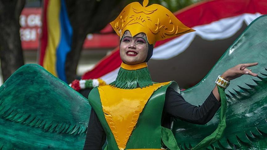 Endonezya'daki renkli festivalin 55. yılı