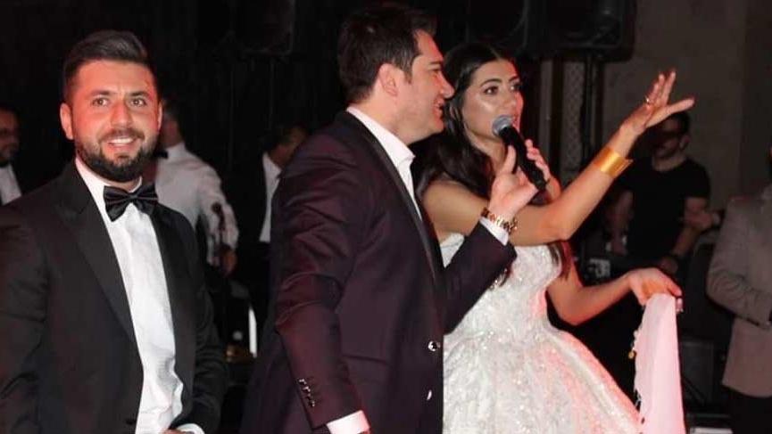 Murat Kurşun, genç çiftin düğününde sahne aldı