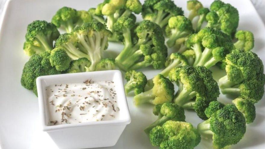 Yoğurtlu brokoli salatası: Brokoliyi bir de böyle deneyin! Yoğurtlu brokoli salatası nasıl yapılır?