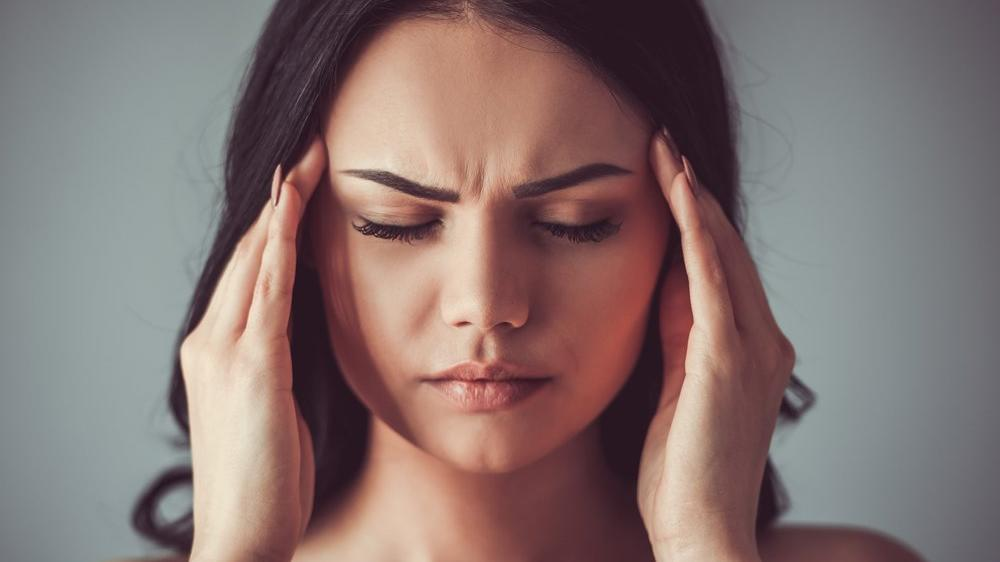 Baş ağrısı için hangi bölüme/doktora gidilir?
