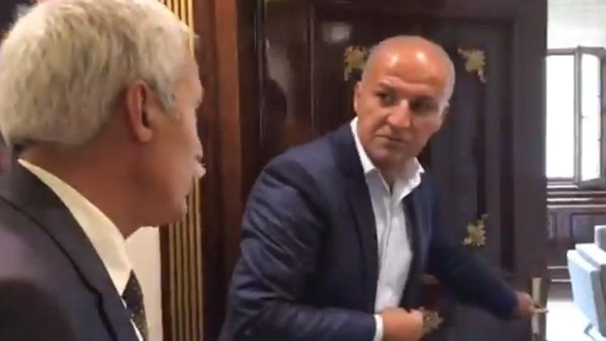 Diyarbakır Büyükşehir Belediye Başkanı Mızraklı, kayyumun makam odasını paylaştı