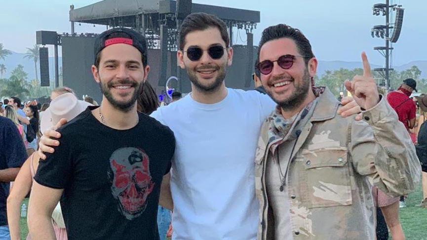 Hacı Sabancı kardeşleriyle Coachella'da buluştu