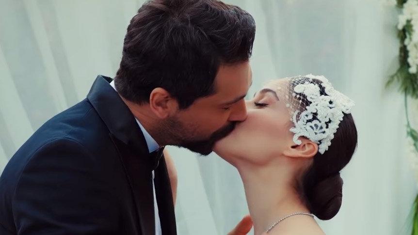 Zeynep'e evlilik sürprizi! Yasak Elma 42. yeni bölüm fragmanı yayında! (Yasak Elma 41. Son Bölüm izle)