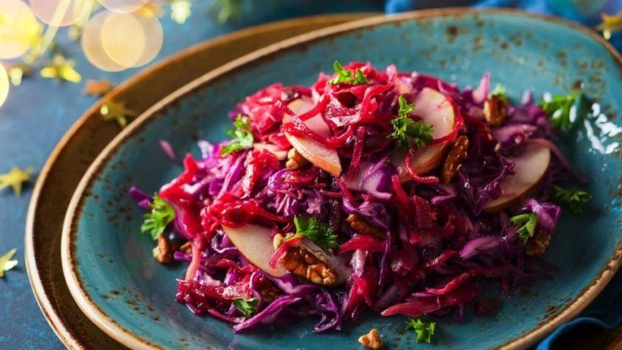 Kırmızı lahana salatası tarifi: Kırmızı lahana salatası nasıl yapılır?