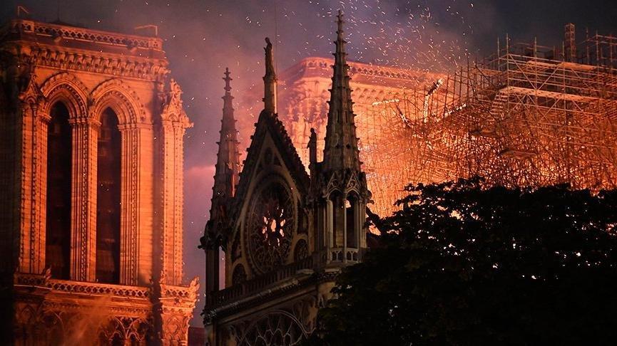 Notre Dame için bağışlar 1 milyar dolara yaklaştı