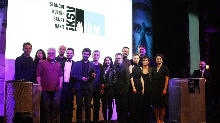 38. İstanbul Film Festivali'nde en iyiler belli oldu... En iyi film ödülünü Kız Kardeşler aldı!