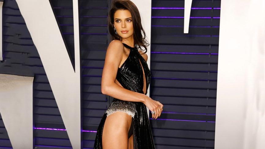 Kendall Jenner ablaları Kim, Kourtney ve Khloe Kardashian kadar seksi olmak istiyor