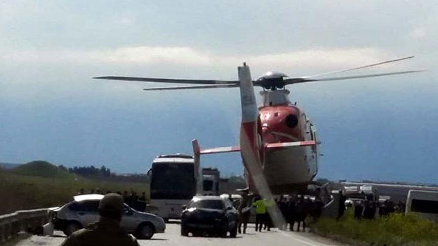 Ambulans helikopter yola indi! Korkunç kaza...