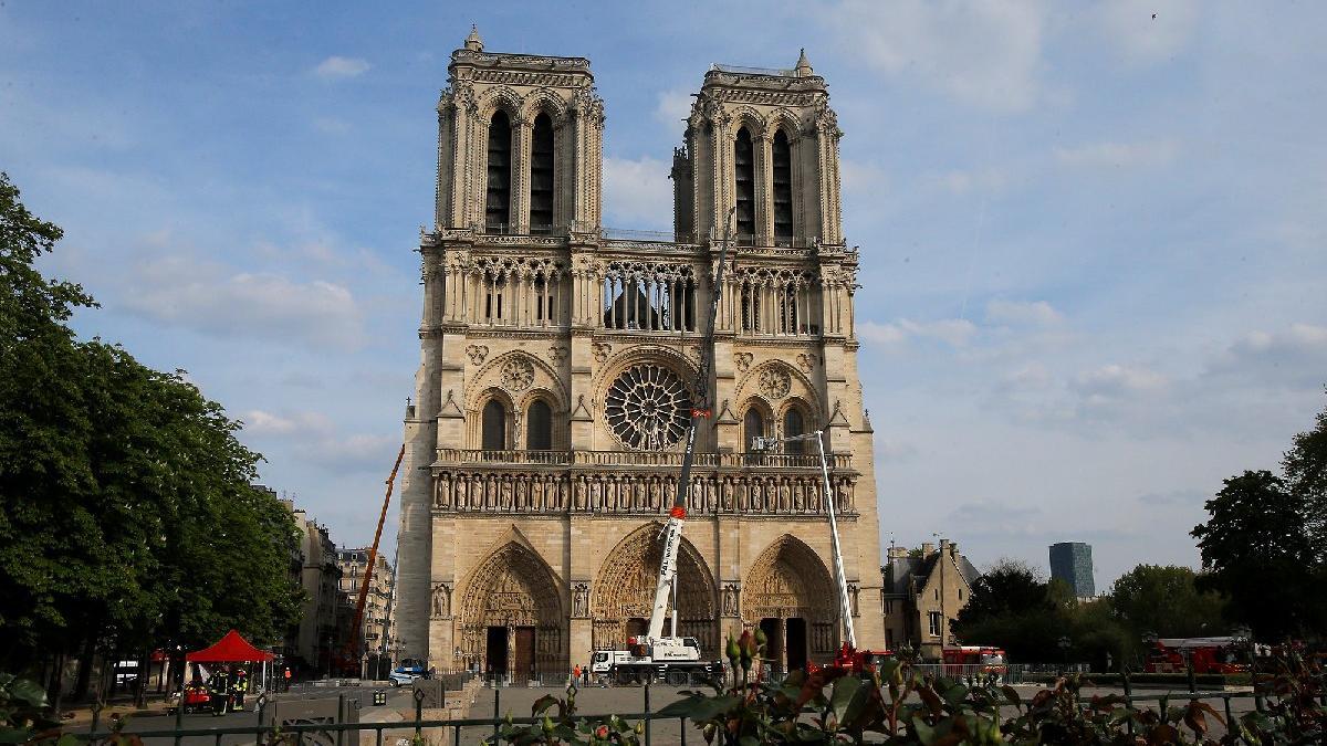 Notre Dame'a bir destek de UNESCO'dan!