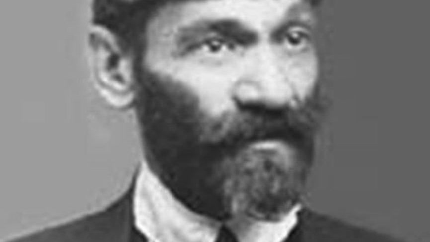 Türk Dil Kurumunun ilk başkanı kimdir?