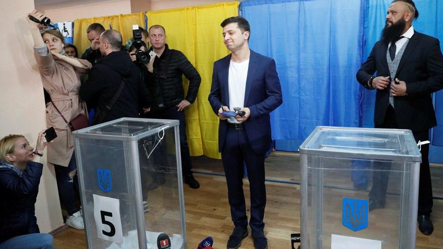 Ukrayna, devlet başkanlığı için sandık başında