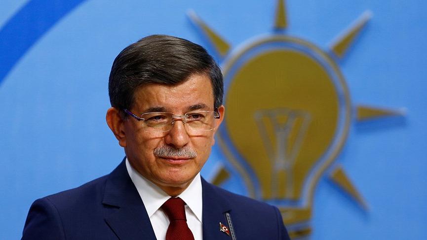 Eski Başbakan Ahmet Davutoğlu: Cumhurbaşkanlığı toplumun yarısı ile kopuş yaşıyor