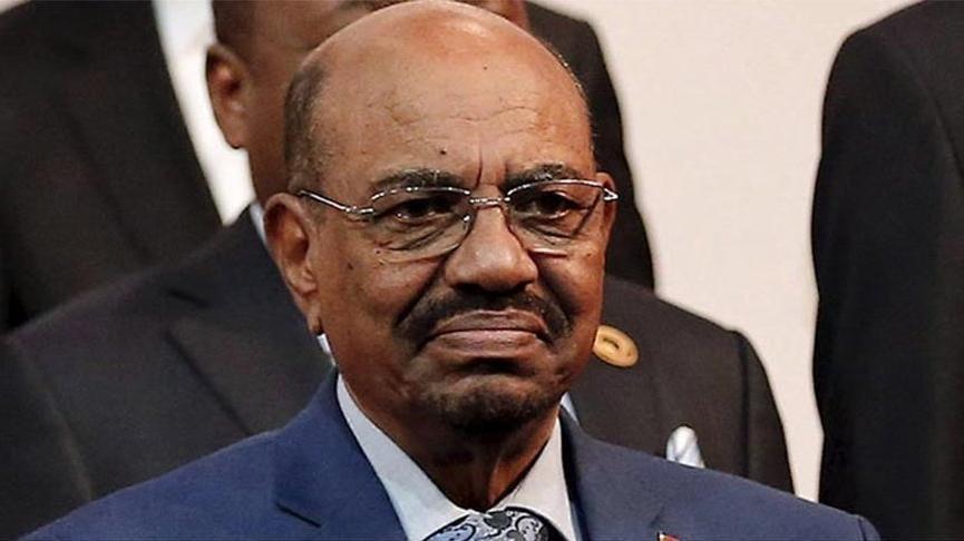 Askeri darbe sonrasında Sudan karıştı… Beşir'in evinden milyon dolarlar çıktı