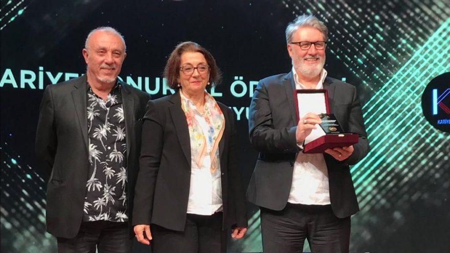 Ödülü Mehmetçik ve Kemal Kılıçdaroğlu'na adadı