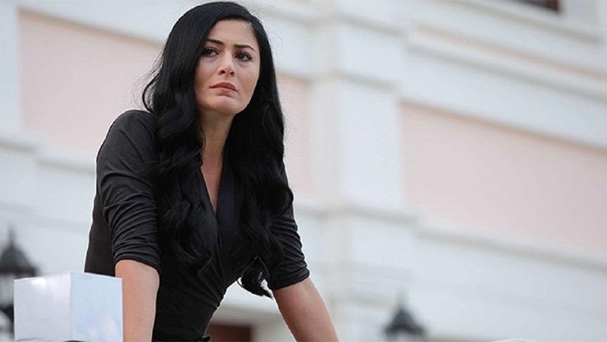 Oyuncu Deniz Çakır'a hapis talebi