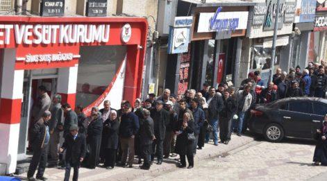 Sivas'ta ucuz et kuyruğu