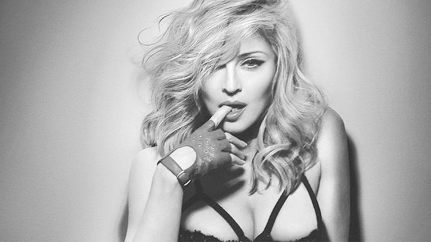 Madonna bir Türk takı markasının kolyesini taktı