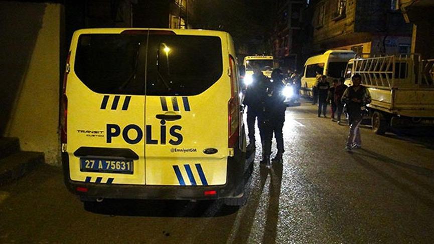 Gaziantep'te polise silahlı ve bıçaklı saldırı