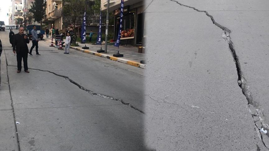 Son dakika haberi... Esenyurt'ta yol çöktü! Binalar boşaltıldı