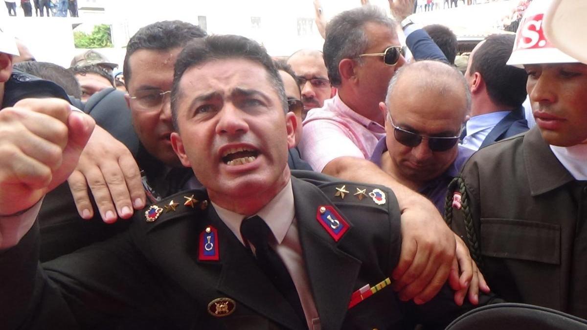 Yarbay Alkan Kılıçdaroğlu'na yönelik linç girişimini değerlendirdi: Ben şehit kardeşi değil miydim?