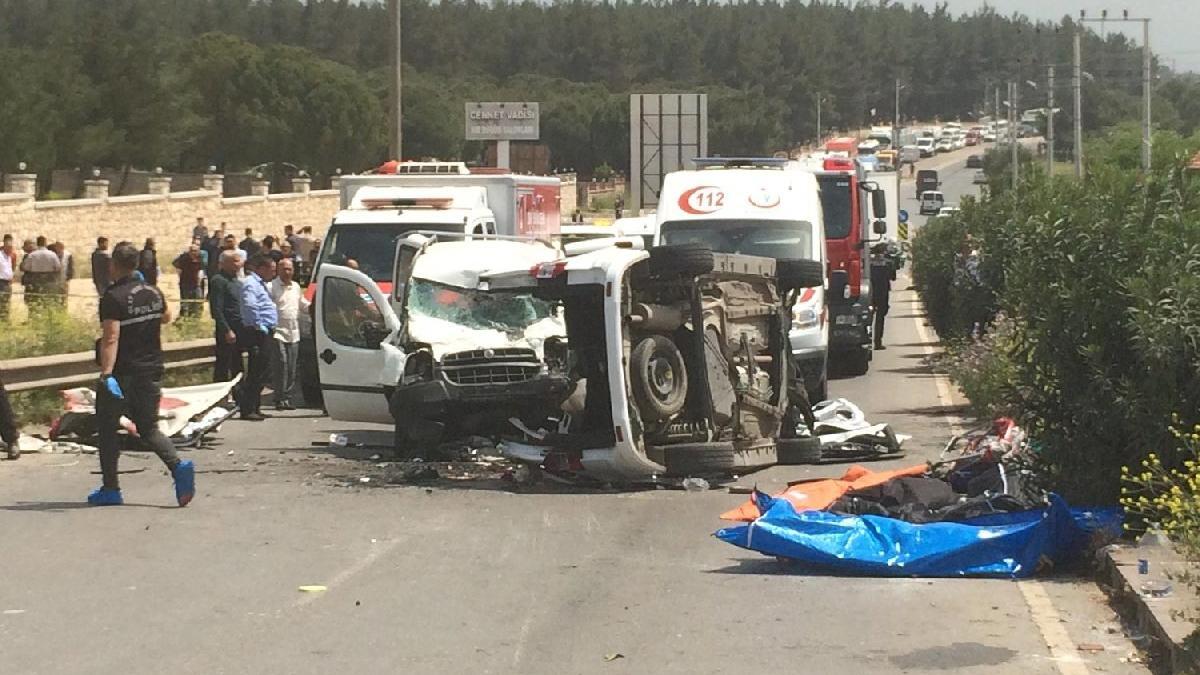 İzmir'de korkunç kaza: Yedi ölü | Son dakika