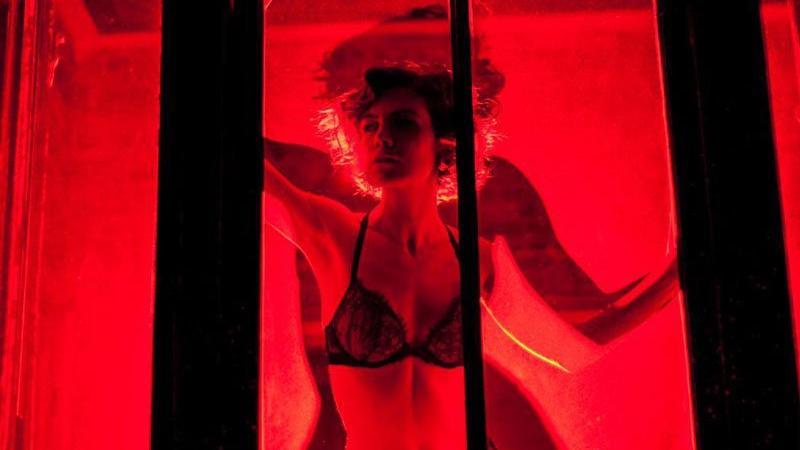 Soğuk bir Amsterdam gecesi ve çözülemeyen ilişki düğümü: Red Light Kışı