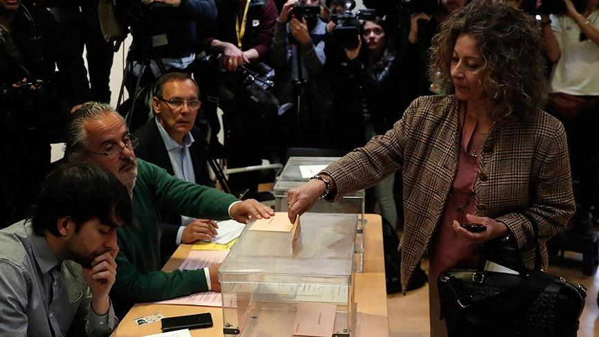 İspanya'da en fazla oyu Sosyalist Parti aldı