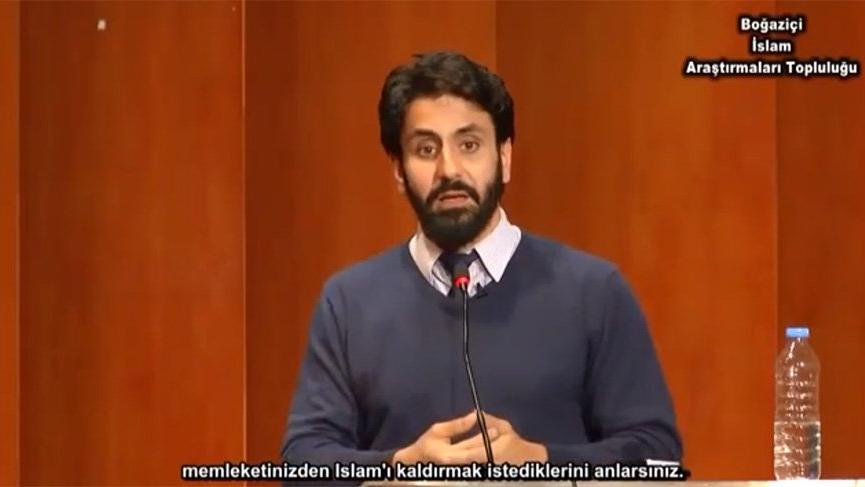 Yunan yazar Atatürk'e 'şeytan' dedi Türk öğrenciler alkışladı