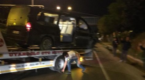 Alanyasporlu futbolcuları taşıyan minibüs devrildi! Yaralılar var