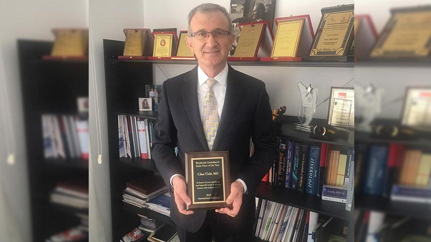 Türk hekime ABD'den 'Endomarch Yılın Uluslararası Kahramanı' Ödülü
