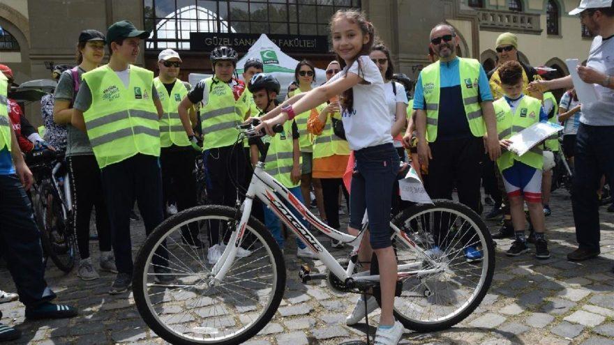 Pedallar Yeşilay için çevrildi