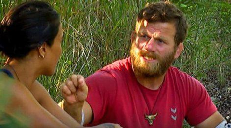 Survivor'da ilginç kavga: Yüzüne tükürdü! Survivor'da eleme adayları belli oldu! Dokunulmazlık oyununu kim kazandı?