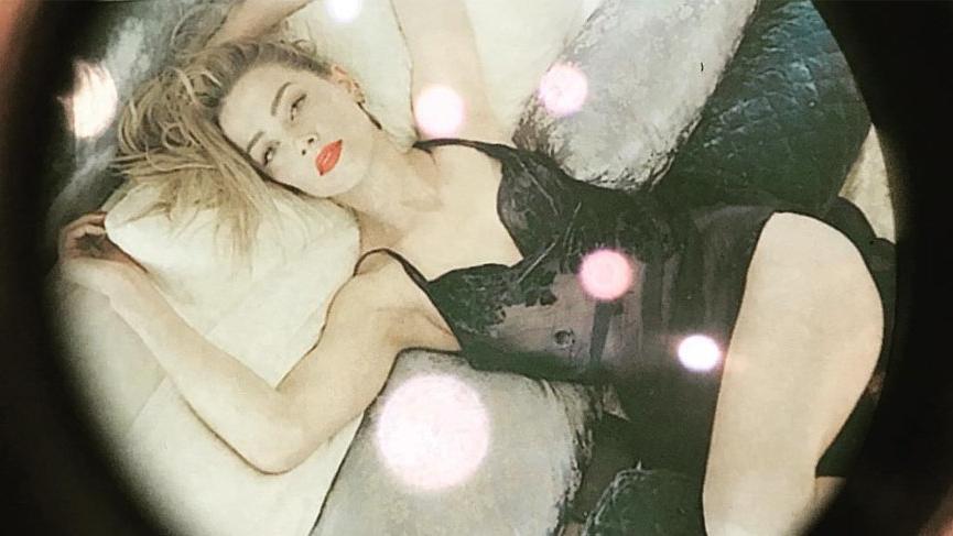 Amber Heard'ün jartiyerli elbisesi Tribeca Film Festivali'nin önüne geçti