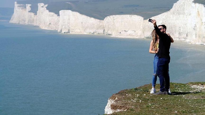 Turistlerin İngiltere'deki tehlikeli merakı