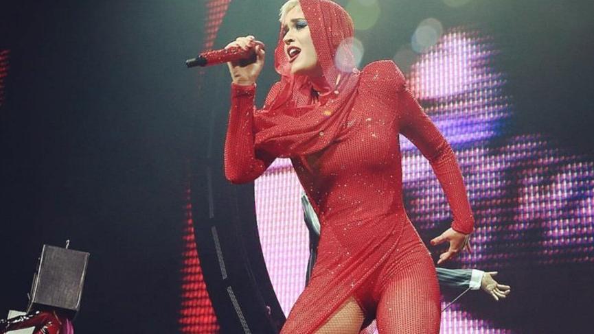 Katy Perry Türk markasının kıyafetini giydi