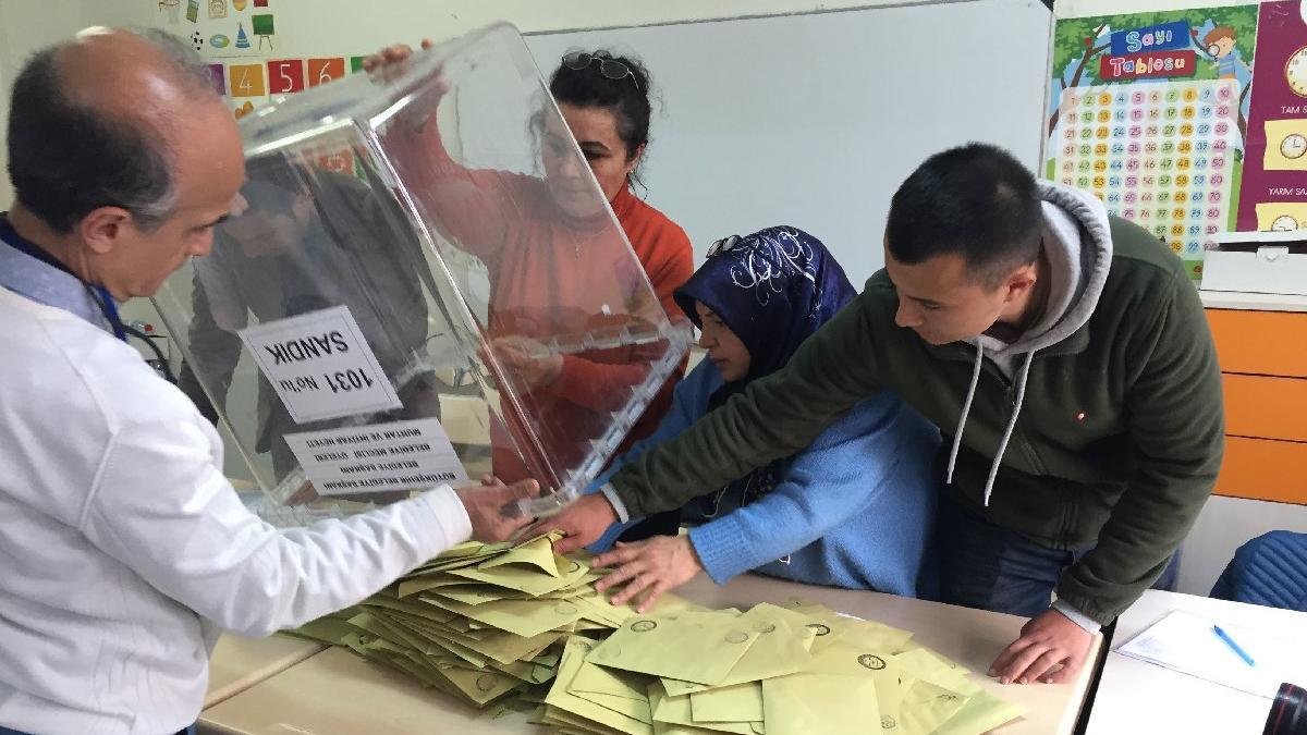 Sonucu bilmeyen Anadolu Ajansı 'geçersiz oyları' bildi