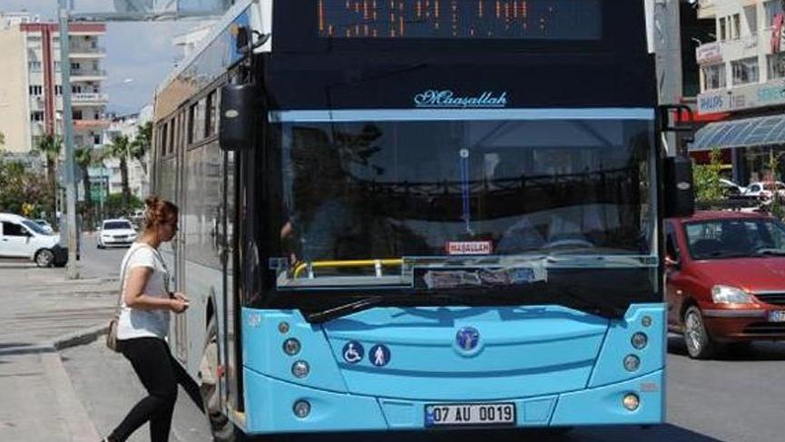 AKP'li başkan ücretsiz otobüs uygulamasını seçim sonrası durdurdu