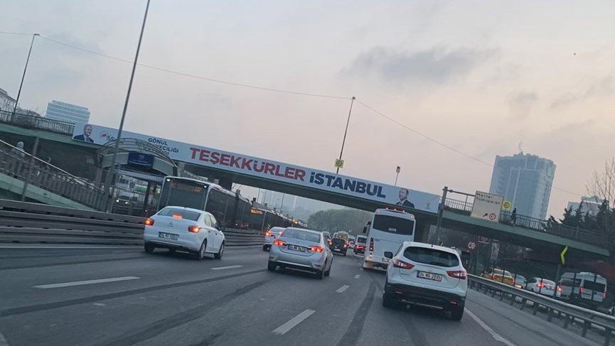 AKP'nin 'teşekkürler pankartları' İstanbul'un dört bir yanında
