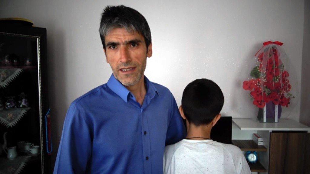 Magandanın dövdüğü çocuk konuştu: Hapse girmesini istiyorum