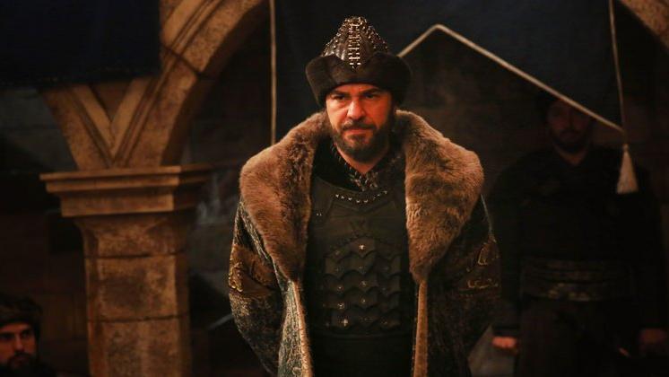 2 Mayıs Hadi ipucu sorusu ve cevabı: Diriliş Ertuğrul dizisinde Ertuğrul rolüne kim hayat veriyor?